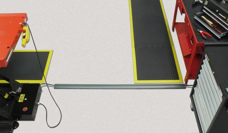 Marolotest goulotte de passage au sol 2m for Passage de cable au sol